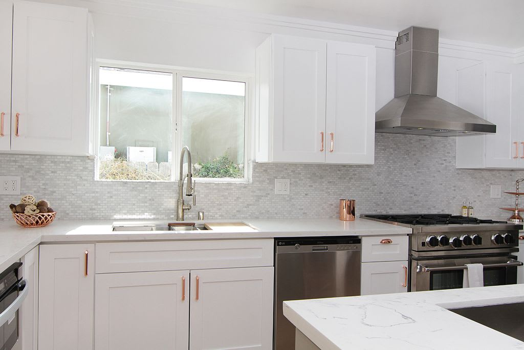 Kitchen Shine With Shaker Cabinets