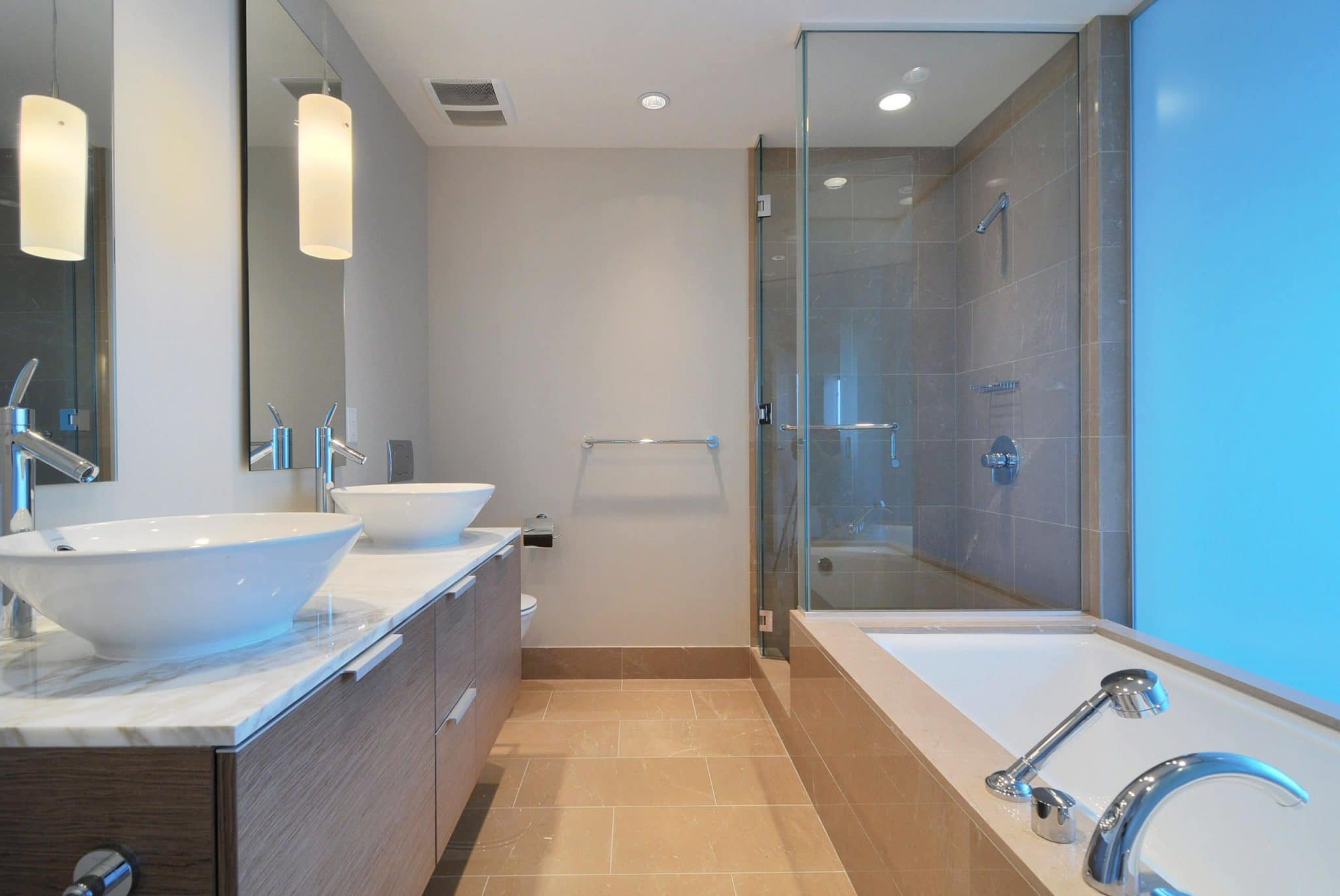 Tips ... & A Bathroom\u0027s Layout - Best Online Cabinets