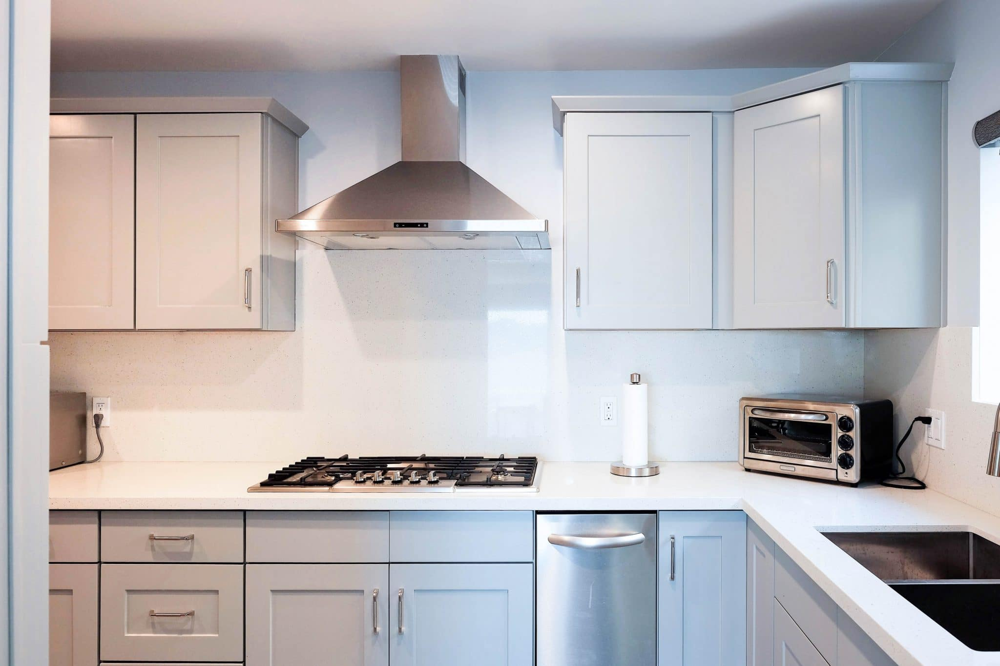 Warmth & Neutrality Combined: Gray Kitchen Cabinets - Best ...