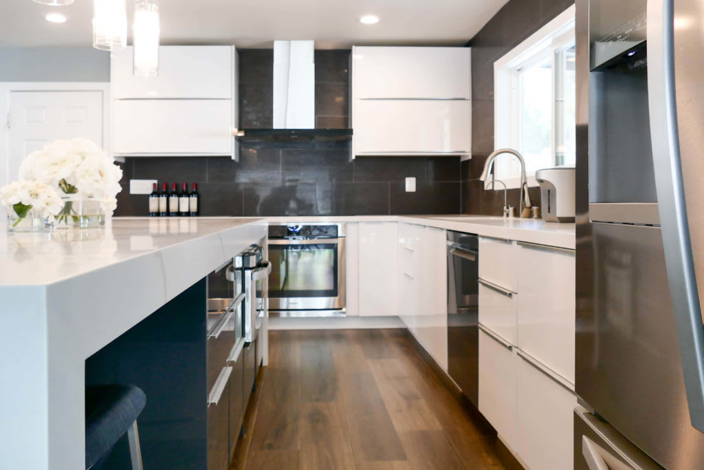 The Pros And Cons Of White Kitchen Cabinets