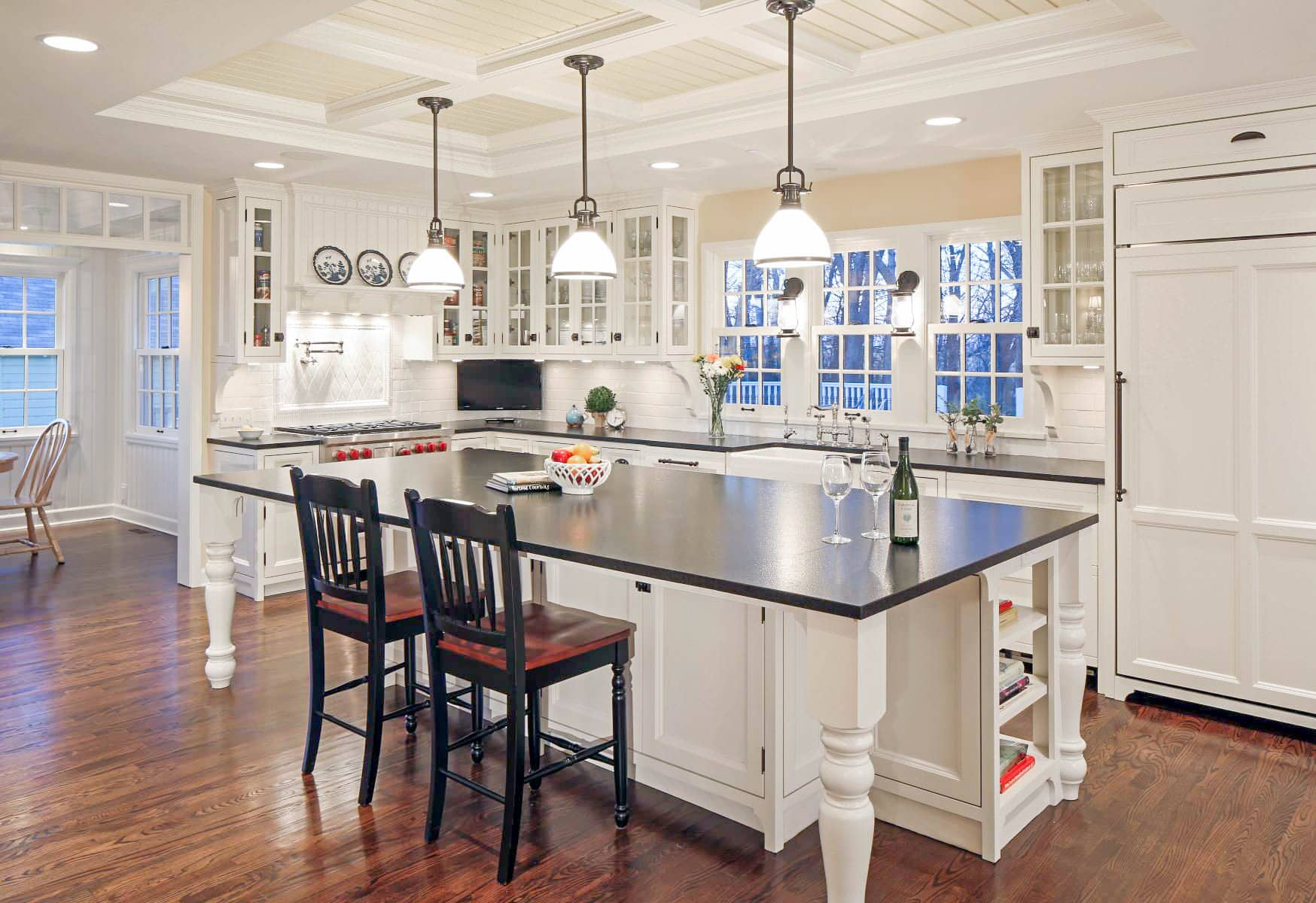 The Pros and Cons of White Kitchen Cabinets - Best Online ...