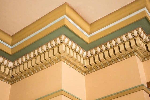 crown molding used along the ceiling
